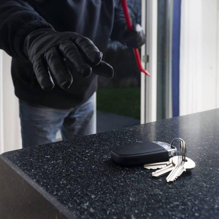 Quels sont les bons réflexes à avoir quand on se fait voler ses clés ?