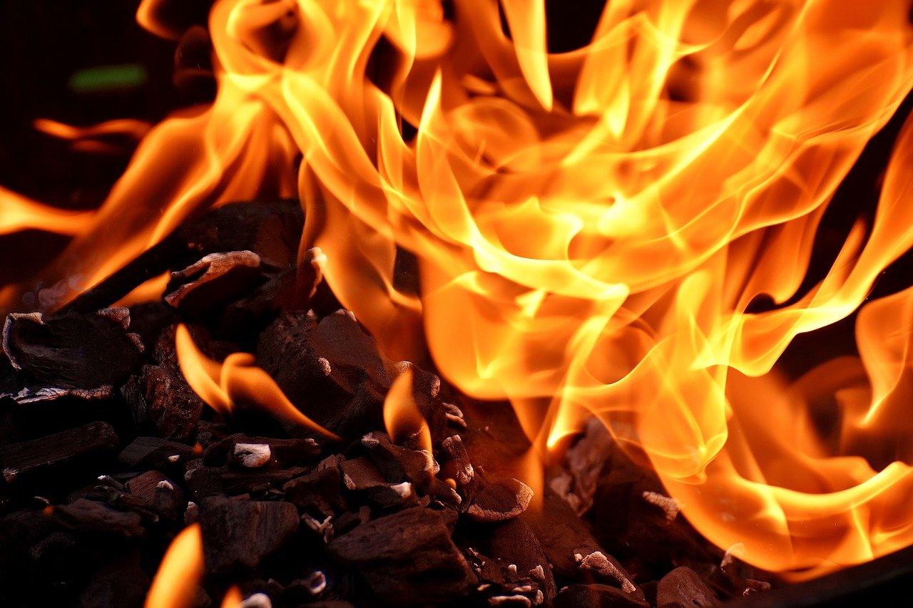 Fausse cheminée décorative : comment bien la choisir ?