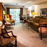 Comment poser facilement du lino dans votre salon?