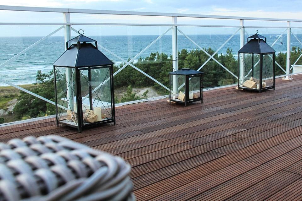 Comment trouver le meilleur artisan pour la pose de votre terrasse en bois?