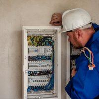 Comment choisir votre électricien à Melun ?