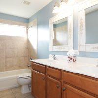 Choix de la robinetterie douche et vasque pour une salle de bain moderne